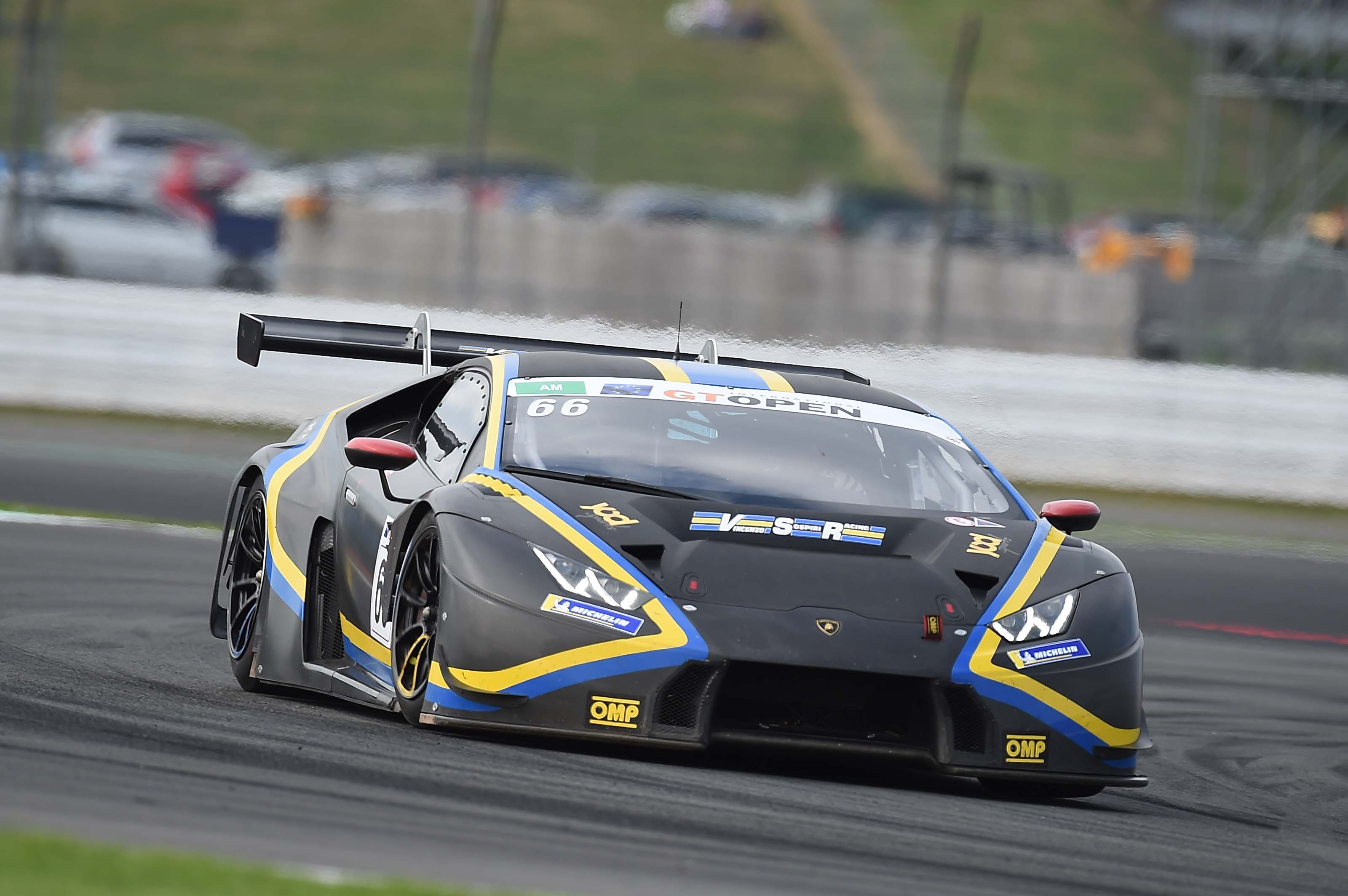 BORLENGHI AND LEWANDOWSKI UNBEATABLE AT SILVERSTONE