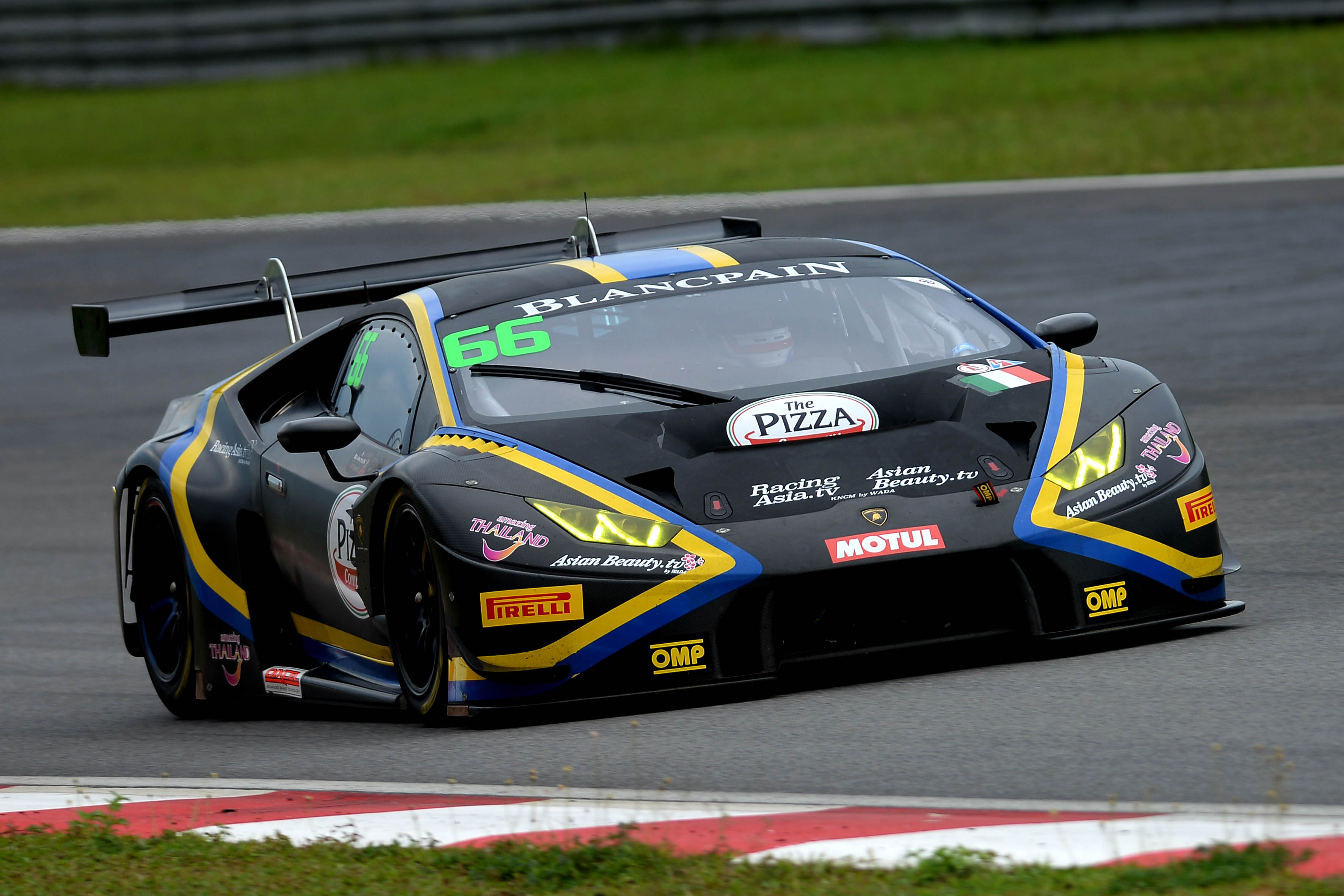 POINTS FINISH FOR KODRIC AND STUVIK IN GT3 DEBUT