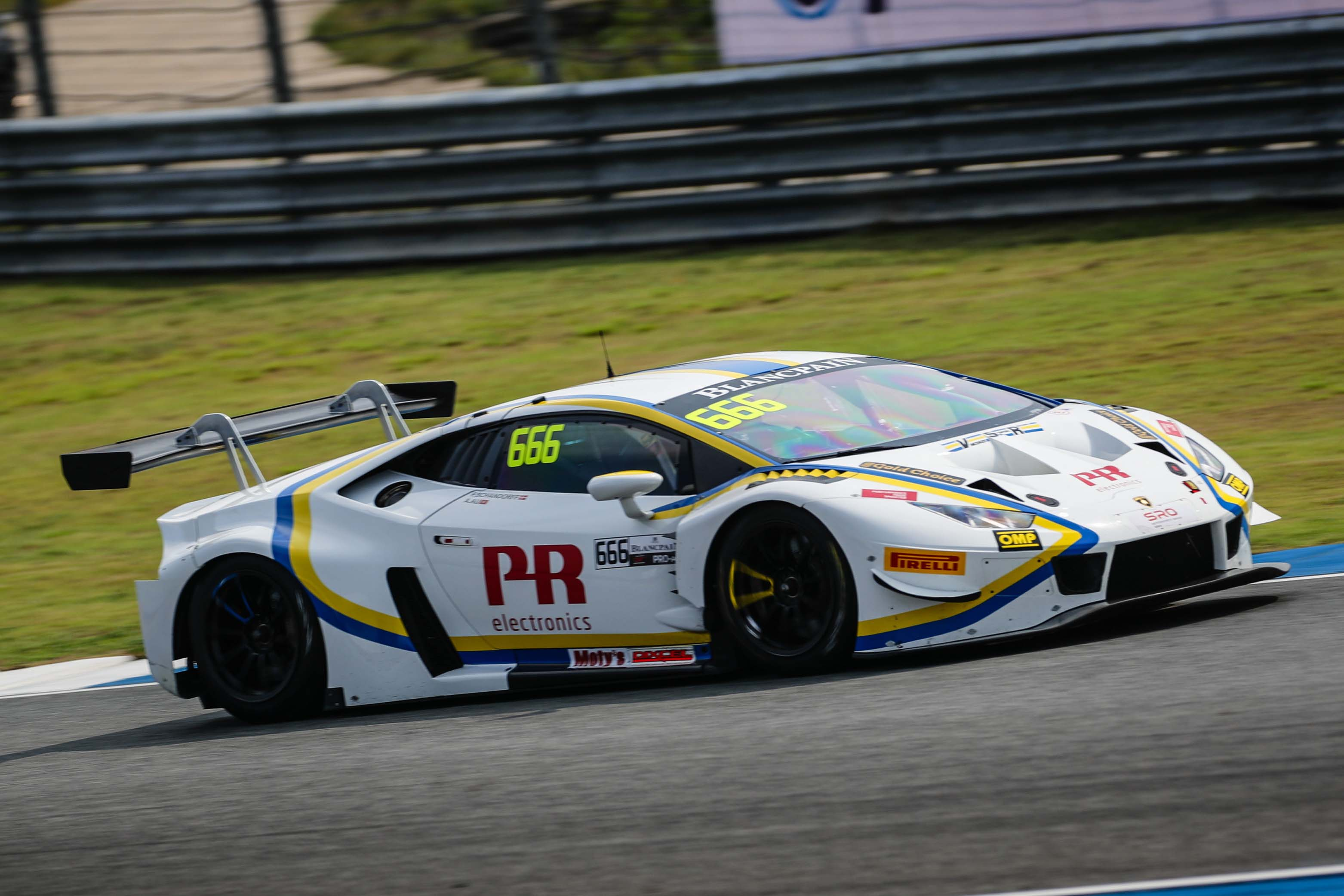 AU AND SCHANDORFF TAKE CHAMPIONSHIP LEAD AT BURIRAM